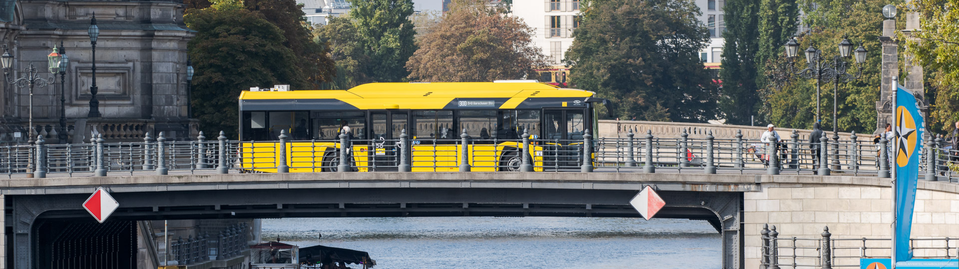 Berlin receives 90 electric Solaris buses