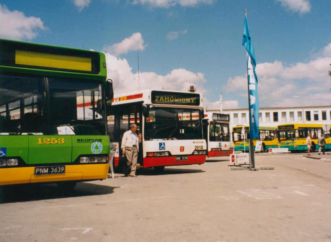 historia solaris bus coach s a. Black Bedroom Furniture Sets. Home Design Ideas